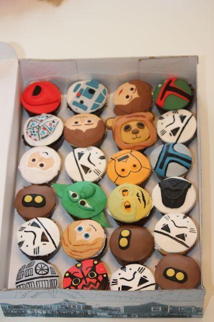 Star Wars Party! star-wars-party: Star Wars Cupcakes, Birthday Parties, Stars War Cupcakes, Stars War Parties, Stars Wars Parties, Star Wars Party, Parties Ideas, Parties Cupcakes, Starwars