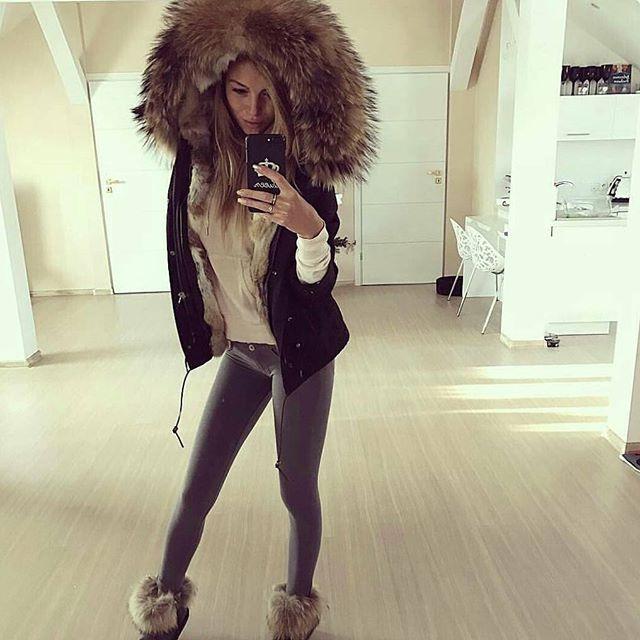 #fur #furs #furcoat #furjacket #furstyle #furvest #furfashion #fashion #winterfashion #fashionstyle #fashiononline #russia #luxurylife #luxuryfur #womaninfur #furfun #photooftheday #style #furlove #glamour #pelliccia #pels #mexa #pelz #moda #fourure #pelzmode #xxlfur #ilovefurfashion #furgirl