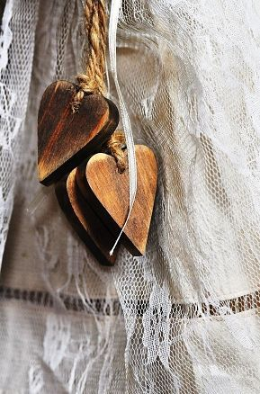 wooden heartsCurtains Ties, String Heart, Hanging Heart, Heart, Heart Wooden, Wooden Heart, Shabby Chic, Heart Shape, Stained Wooden