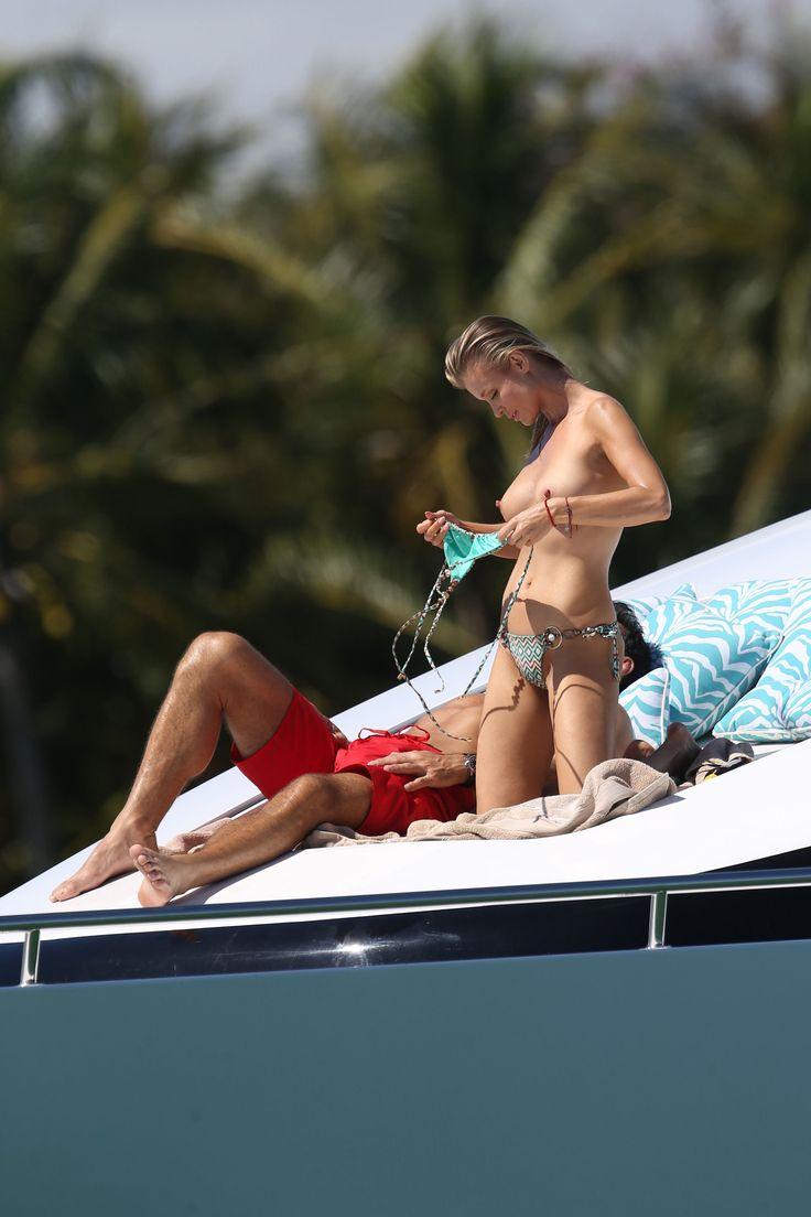 Joanna-Krupa-in-a-Bikini-Topless7.jpg (2400×3600)