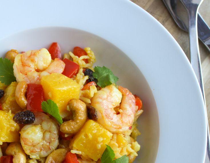 Deze heerlijke Thaise rijst met gamba's ananas en rode paprika tover je binnen een half uurtje op tafel.