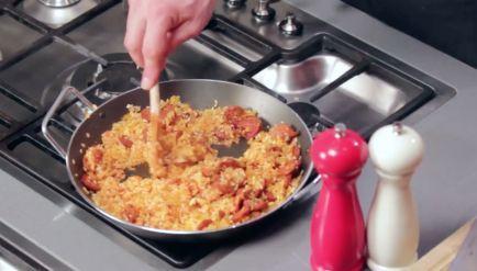Rijke paella met kip en garnalen - Recept - Allerhande - Albert Heijn