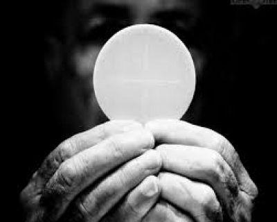 """Vangelo della Domenica. Corpus Domini: """"Rivestici Signore dei panni della misericordia e della dolcezza"""" - #CorpusDomini #CommentoAlVangelo #NewEcclesia"""