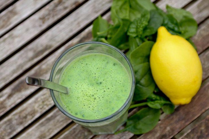 Jeg har altid synses, at grønne smoothies / juices lyder som en god og sund idé, da de er sprængfyldt med vitaminer, men tanken om avocado, ingefær, kål ect. i min morgenmad har aldrig rigtig tilta...
