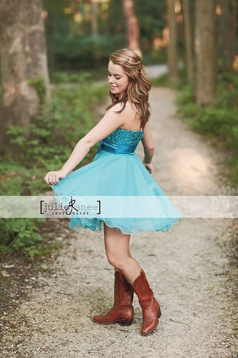 Senior Pictures Idea. wear a dress and sway/twirl