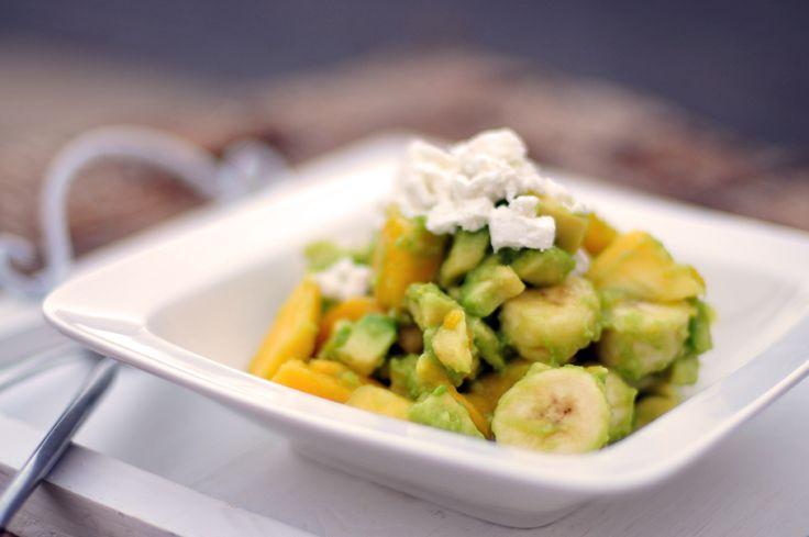 Salade met banaan, mango en verse gember