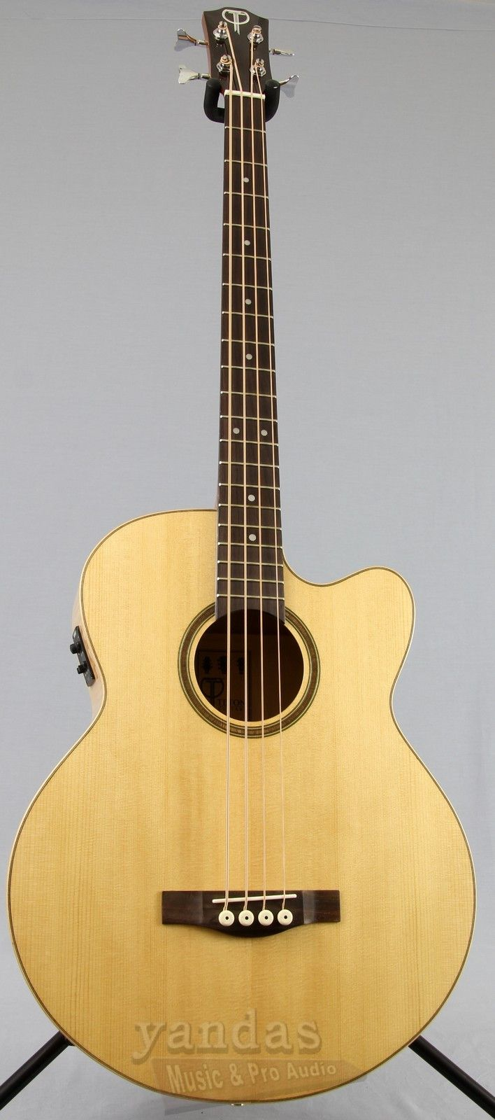 The Teton STB130FMCENT features a solid spruce top that helps produce beautiful bass cutting through dense acoustic mixes. With it's stunning flame maple back and sides and Mahogany neck, this acousti