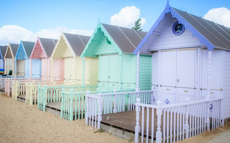 West Mersea Beach, Essex, England. The sleepy haunt of Mersea Island draws day trippers from across Essex for its unblemished saltwater marsh landscape & crowd-free beaches..