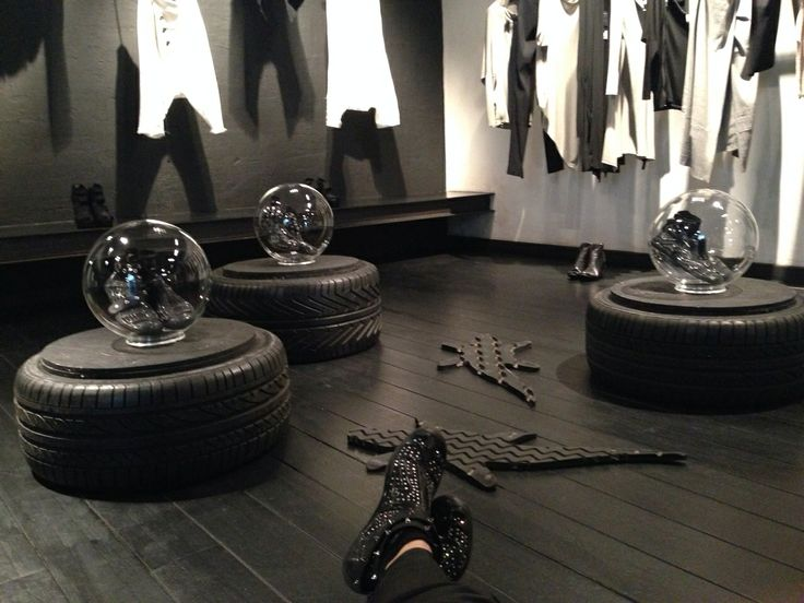Akkua alle Officine Ferri di Roma #style #fashion #perfectoufit #akkua #akkuarevolution #shop #shoes
