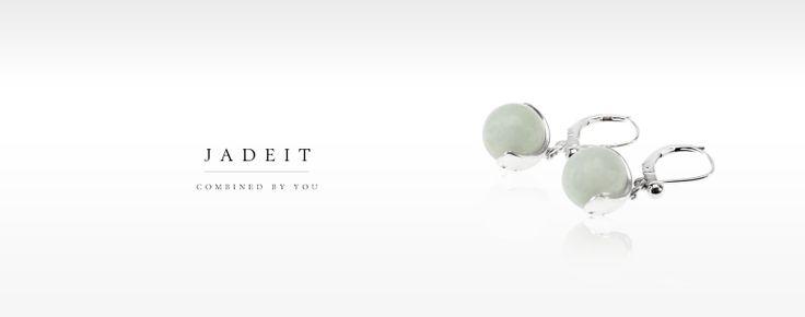 JadeIt örhängen med mörkgröna Jadeitestenar. Finns i vit, ljusgrön, mellangrön, mörkgrön, svartgrön och svart.