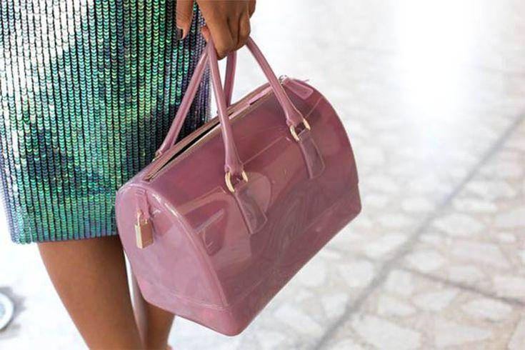 Τσάντα σε ροζ χρώμα από την 4bag!