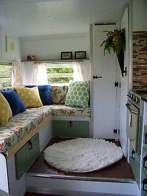 1973 Vintage Lark Camper, Travel Trailer, Glamper, No Reserve