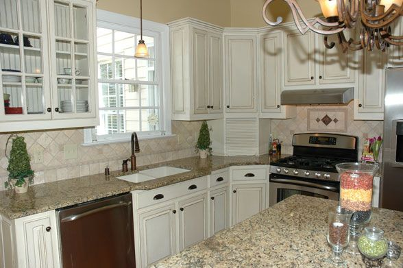 Glazing Kitchen Cabinets White (Pinstripe Glaze, Not An