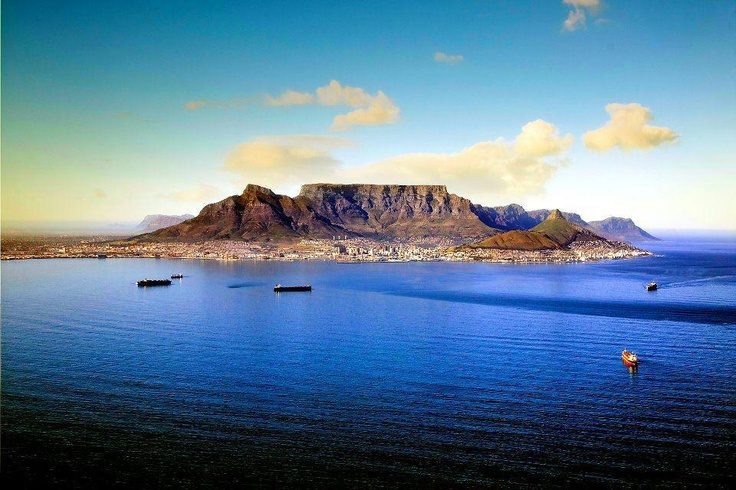 Table Mountain - one of the 7 wonders of the world - Cape Town