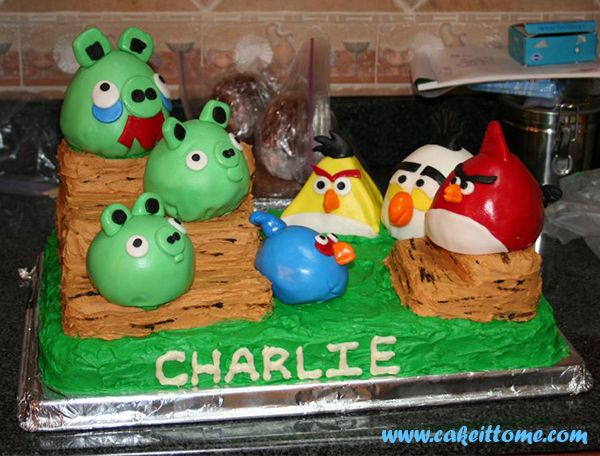 Fun Cake Designs: Angry Birds Cakes #cakedesigns