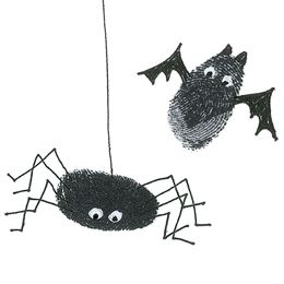 Fingerprint Fun - make bats, spiders and pumpkins! Cute idea for the kids to help with!! Could even do it on a t-shirt.