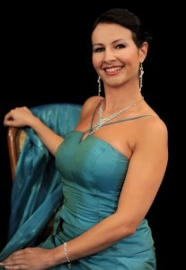 Karolina Garlińska-Ferenc, solistka i aktorka Teatru Muzycznego w Poznaniu opowiada, w jaki sposób kosmetyki z kolagenem naturalnym Colway pomagają jej dbać o urodę na scenie.         Wybrałam naturalne kosmetyki z kolagenem i nie zawiodłam się  http://instytutmlodosci.com.pl/wybralam-naturalne-kosmetyki-z-kolagenem-i-nie-zawiodlam-sie/