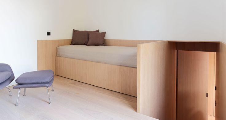 ferienhaus am starnberger see ausziehbares bett eiche furniert mfg projekte ausziehbares. Black Bedroom Furniture Sets. Home Design Ideas