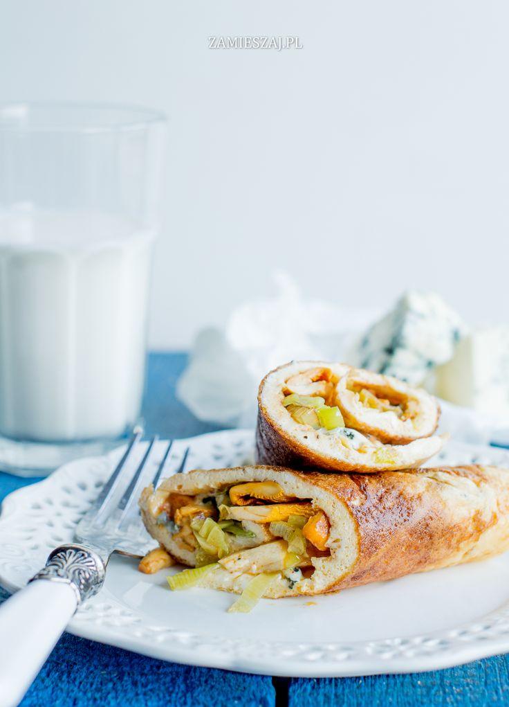 Omlet z kurkami, porem i gorgonzolą