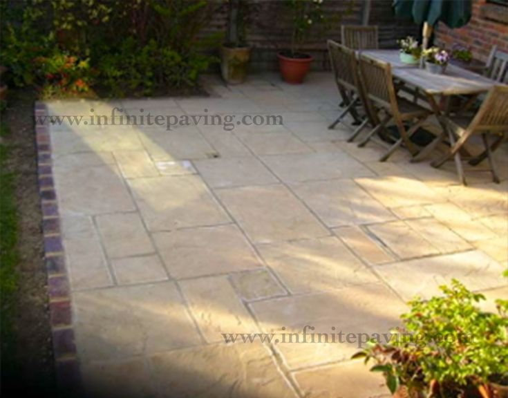 infinitepaving - supplying high quality natural stone paving, indian sandstone and indian limestone in patio packs, circles, setts, steps and walling for garden patios and interior flooring.
