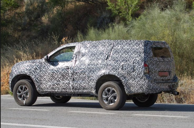 Nissan Pathfinder 2019 - Japan Cars Maker The Nissan Motor Company plan to release new hybrid cars, according some rumors the vehicle is Nissan Pathfinder.