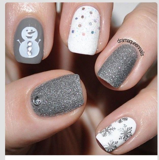30 festive Christmas acrylic nail designs: Gray Christmas Nails