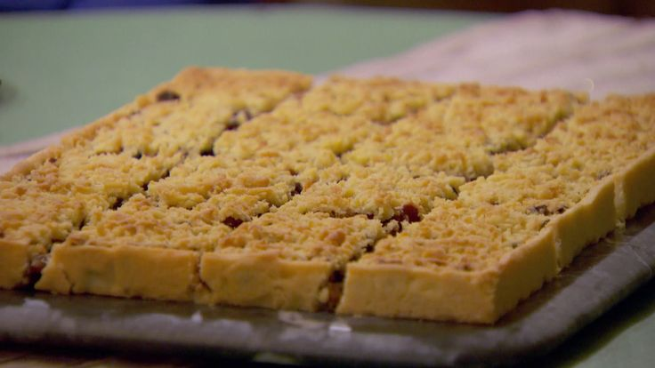 Try this recipe for Mincemeat Streusel from PBS Food. Mary's from British Baking