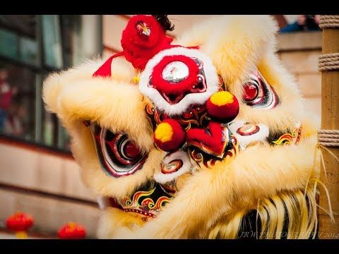 Lion dance Tradition of the new year in China  新年舞狮 2018