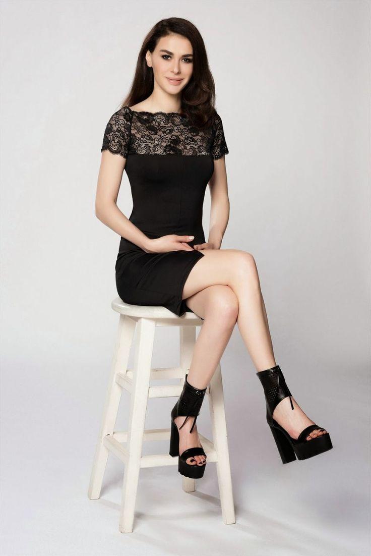 Ayşe Hatun Önal, Turkish model and singer