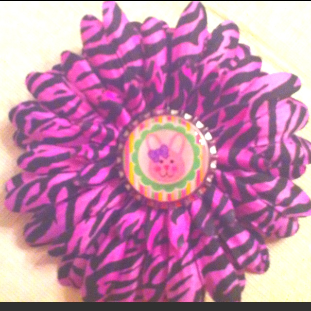 Easter bottle cap flower bows pinterest for How to make bottle cap flowers