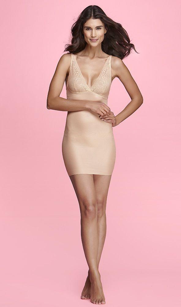 Maidenform Weightless Comfort -alushame - Kevyen tuen antava ylellinen alushame jokapäiväiseen käyttöön. Ei näkyviä saumoja. Silottaa vatsaa ja selkää. Säädettävät olkaimet. Koot: S-XXL. S-Etukortilla 37,90 € (46,90 €) - sokos.fi