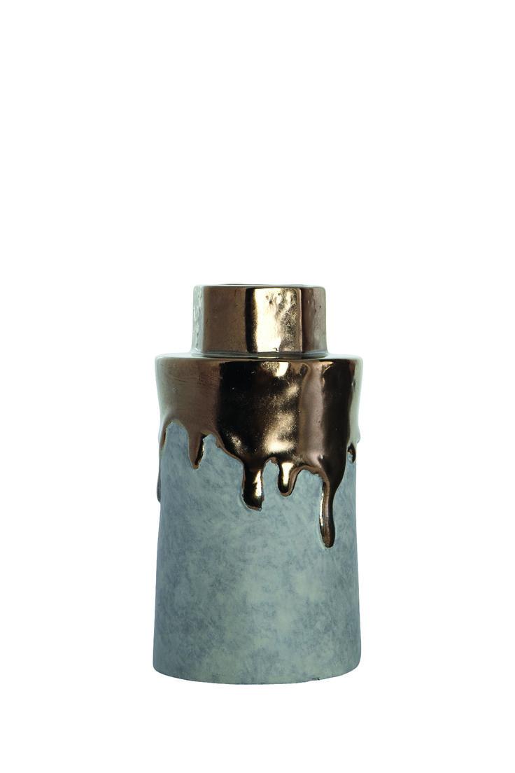 http://mooseartdesign.pl/pl/akcesoria-moose/wazon-hexa-gold2013-10-22-16-37-37-detail Wymiary: sze:8/12 wys:22cm Materiał: biała glina,szkliwo