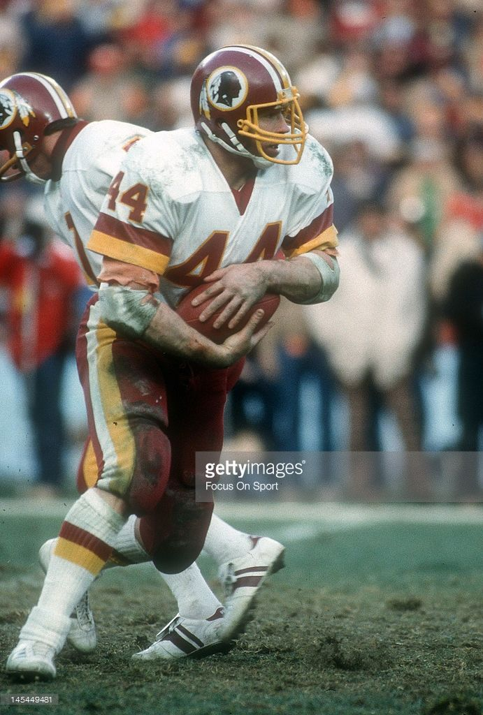 1977 Washington Redskins | Running back John Riggins #44 of the Washington Redskins carries the ...