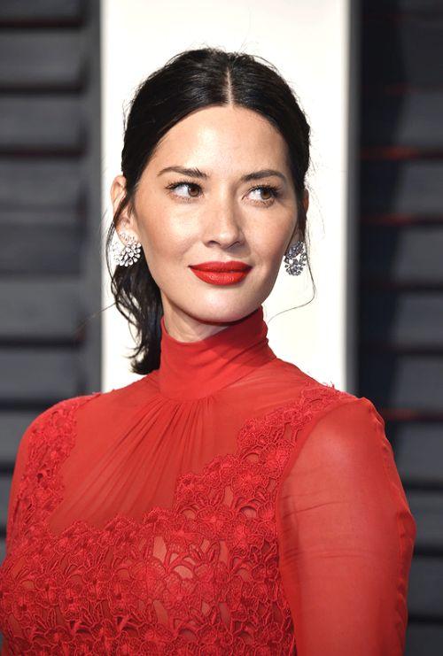 Photo olivia munn oscars academy awards red carpet makeup celeb celebrity celebritycloseup