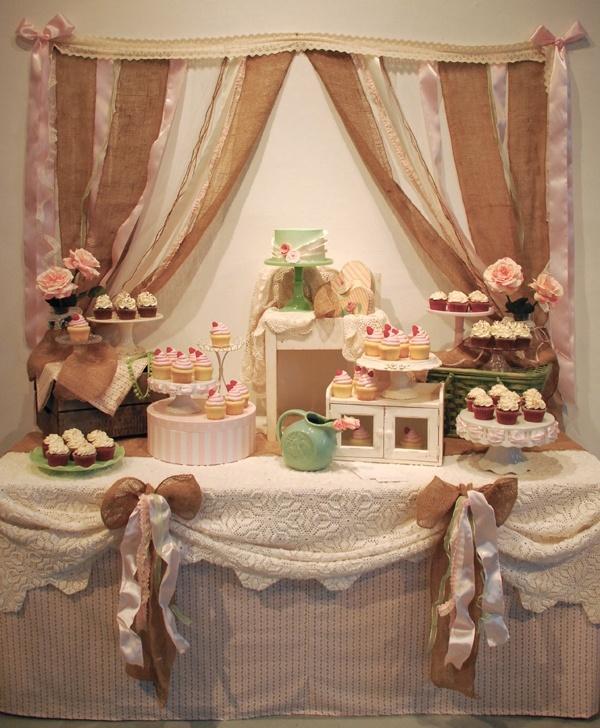 Shabby Chic Rustic Wedding Ideas: Shabby Chic & Vintage Cake Table