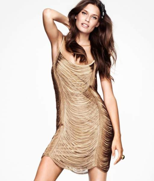 vestido_dorado_flecos: Evening Dresses, Dresses Style, Beautiful Niece, Flappers Costumes, Fashion Addiction, Dresses Gold, Fringes Dresses, Bianca Balti, Holidays Parties Dresses