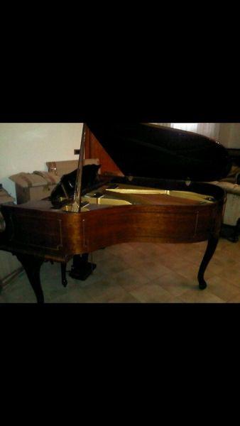 Pianoforte Petrof mod. IV
