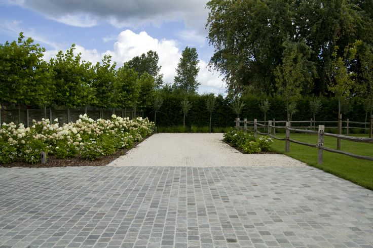 1000 images about tuin on pinterest gardens ramen and hydrangeas - Doen redelijk oprit grind ...