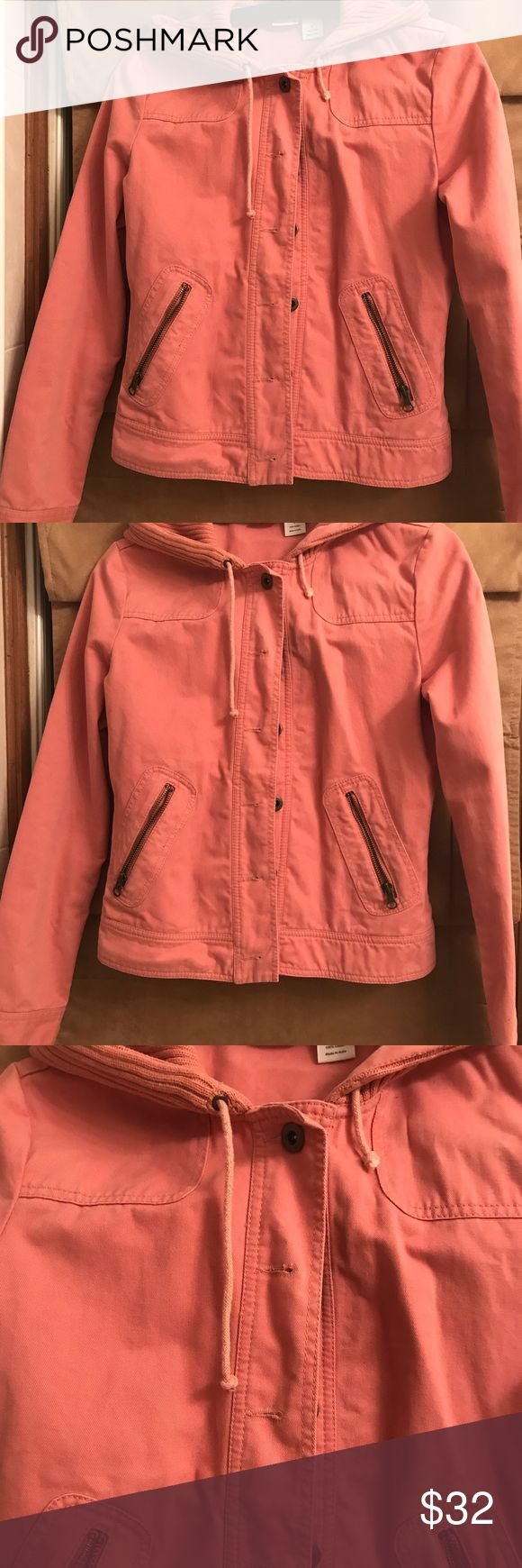 Rubbish women's pink jean jacket with hood Rubbish brand ( NORDSTROM) pink jean jacket with ribbed cotton hood. I love this jacket, I wore it once opened, can't wear it because it's not meant for someone chesty. Cute with Uggs, booties and sneakers ! Rubbish Jackets & Coats Jean Jackets
