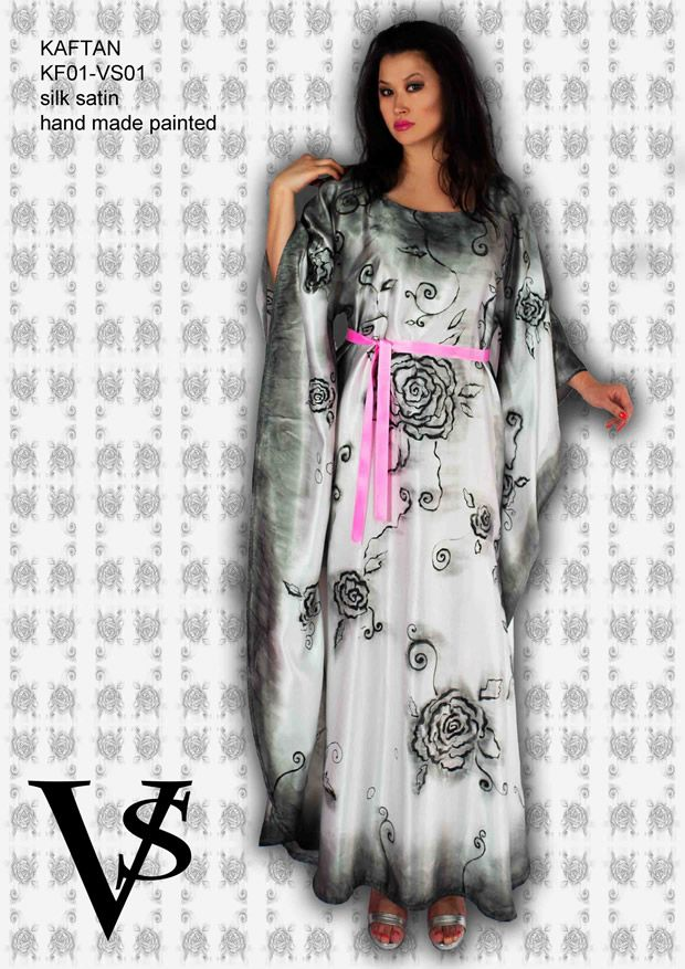 "Kaftan KF01-VS01 - Composition 100% Silk Satin - Hand Painted - Sizes Italian (from 38 to 62 tailored) - Limited Edition Series (maximum 100 Pieces for model) - ""Violetta Smik"" is produced by Sephirot Productions of Milan under the brand ""4SuckerS"" - 100% MADE IN ITALY - 100% NATURAL FIBRES AND ECOLOGICAL - 100% HAND PAINTED - 100% HAND EMBROIDERED - Try it to believe! Authorized seller: Showroom SD Multibrand Milano street Visconti di Modrone 30. www.violettasmik.com"