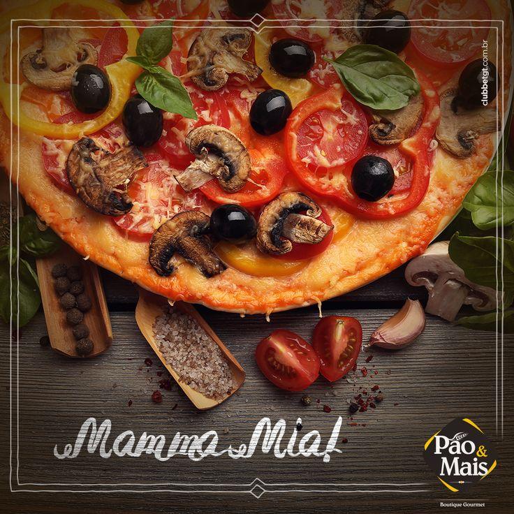 Só de olhar já começa a bater aquela vontade de saborear a nossa pizza, não é mesmo? Imagina se desse para sentir o cheiro aí da sua casa..