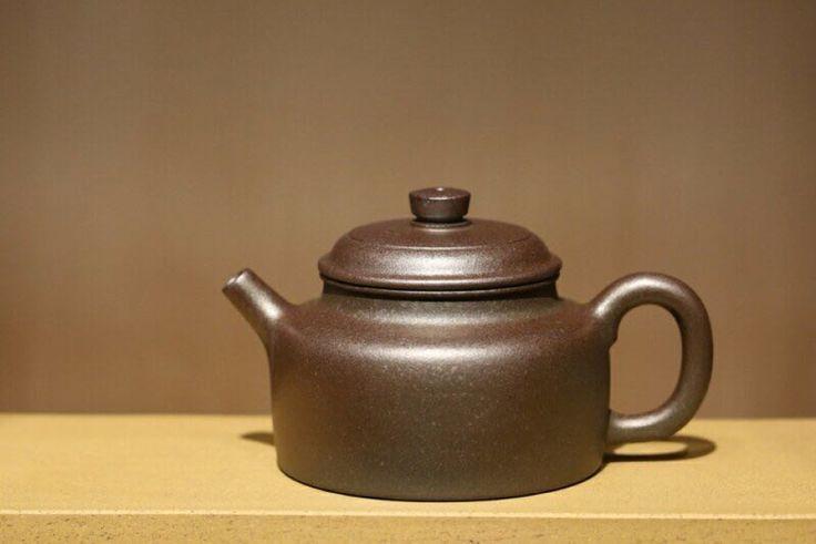 Woodfired Yixing Teapot #woodfiredteapot #woodfired #yixing #zisha #yixingzisha #yixingteapot #zishateapot #zini #yixingcrew #kungfuteapot #kungfutea #teatime #tea #china #chinesetea