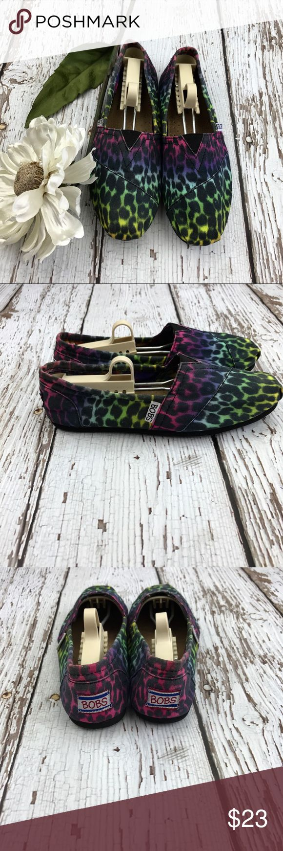 💕SALE💕Bobs Sketchers Multi Colored Slip on Shoes Fabulous 💕Bobs Sketchers Multi Colored Slip on Shoes Like New Bobs Shoes Flats & Loafers