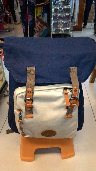https://www.bukalapak.com/p/fashion/pria/tas-pria/51424-jual-tas-ransel-kanvas-tas-ransel-kanvas-tempat-laptop-selempang-fashion-cewek-cowok-modis?search_id=d127de5a-fb6c-4d62-9de5-730c30638eb0
