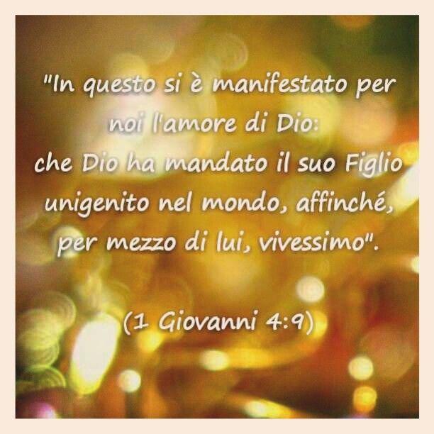 Tanti auguri di buon Natale!!   Che la gioia per la nascita di Gesù possa riempire non solo oggi, ma ogni giorno i nostri cuori!  #Dio #Gesù #Bibbia #Natale #speranza #versettibiblici #versetti #radio #radiovocedellasperanza #roma