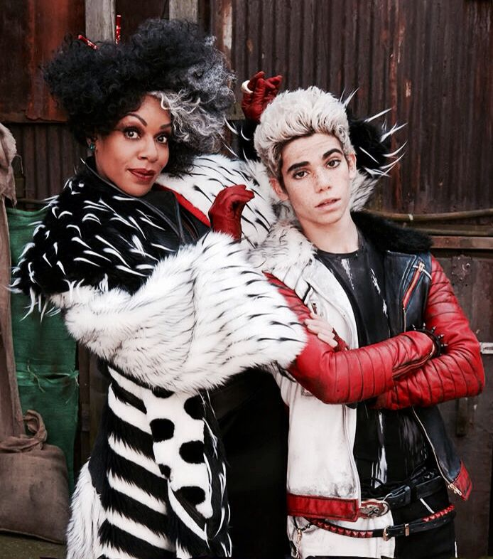 Cruella & Carlos Disney Descendants