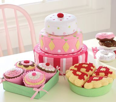 I will be picking up some felt soon and I know a special little girl who will be getting some felt food for her 1st birthday!!