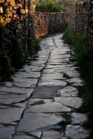 Sifnos-Greece-Tiny-streets