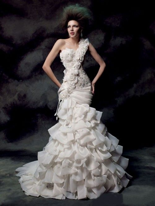Trumpet/Mermaid Organza Sleeveless Hand-made Flower One-Shoulder Sweep/Brush Train Wedding Dresses