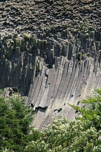 Detunata Goala, un manunchi de spaghete gigantice din bazalt- Detunatele - Muntii Apuseni / Metaliferi